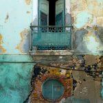 Mur d'une vieille maison coloniale