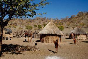 Village au portes du désert du Kalahari